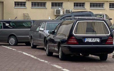 Drama oamenilor care-şi îngroapă rudele moarte de COVID-19 la Spitalul Suceava